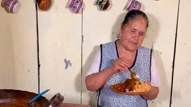 Doña Ángela una de las 100 mujeres más poderosas del país: Forbes