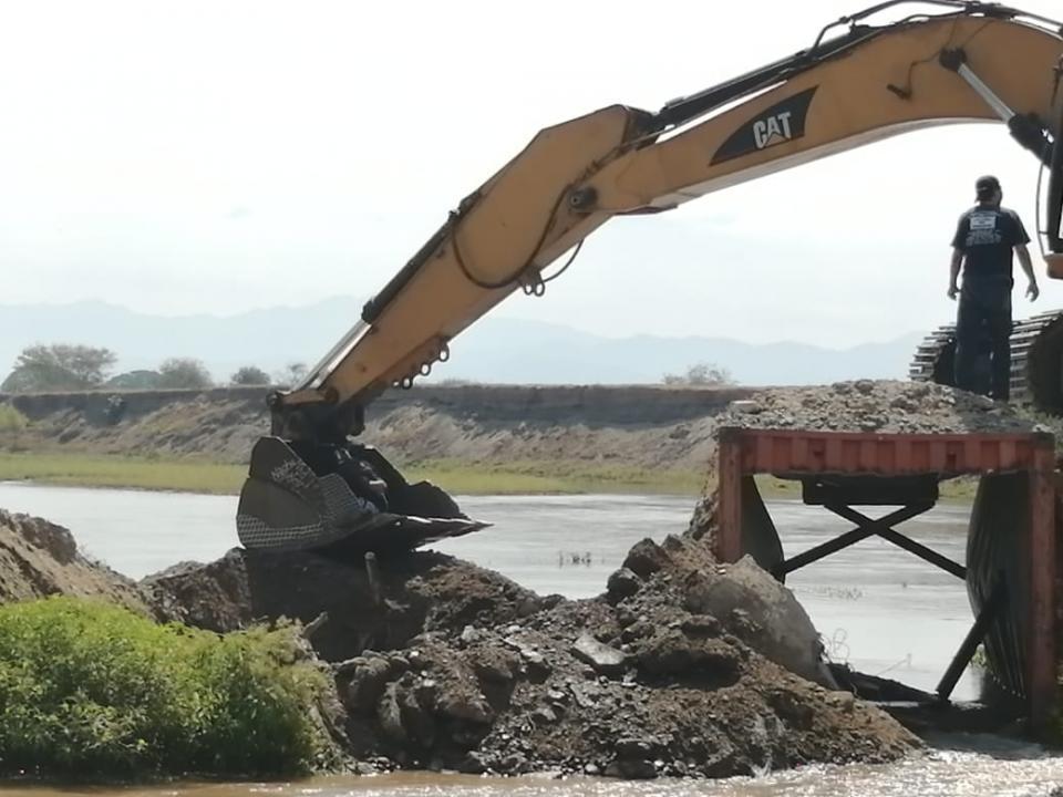 Cierran paso del Guayabo