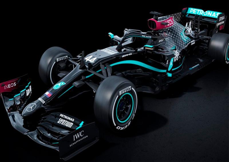 Mercedes vuelve a la Fórmula Uno en lucha contra el racismo