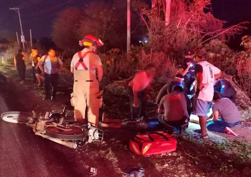 Dos motociclistas heridos trás ser arrollados por camioneta