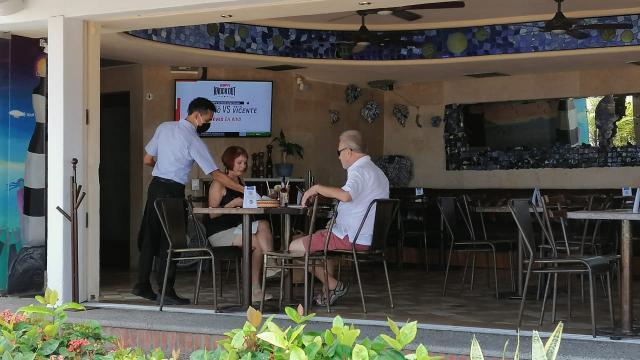 Restaurante en la segunda sección del Malecón