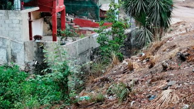 Canal de Lomas del Calvario pone en peligro a ciudadanos