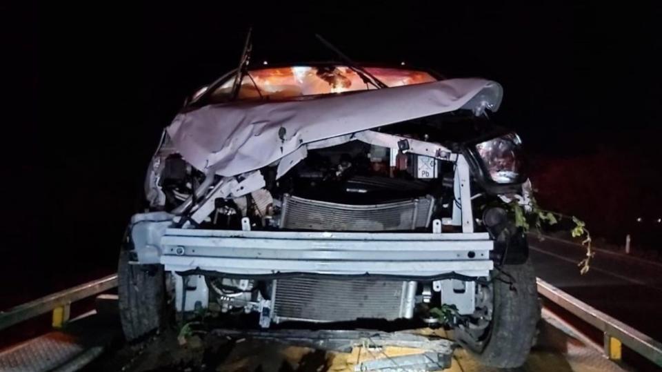 Auto destrozado por un choque