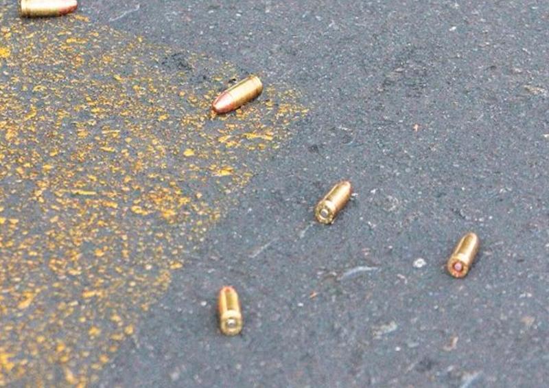 Asesinan a tiros a mujer