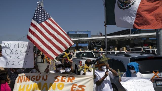 Protesta en muro fronterizo