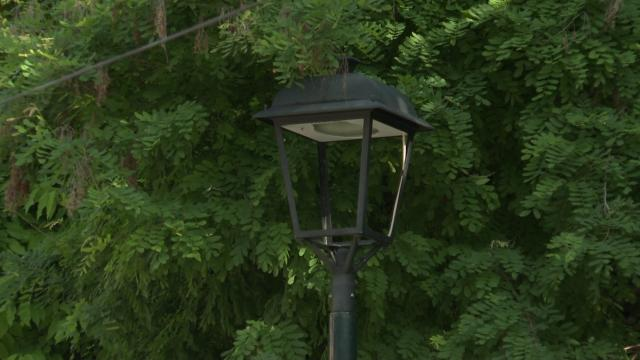 Poste de luz sin lámpara