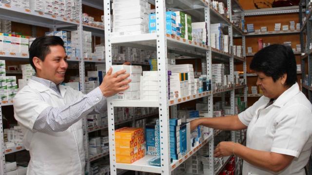 Aprueban compra de medicinas en el extranjero sin licitación