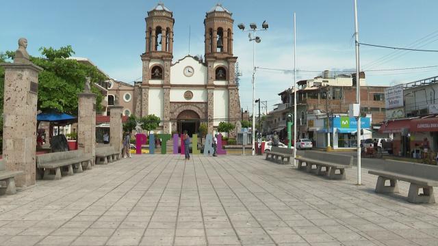 Plaza de El Pitillal cerrada por contingencia