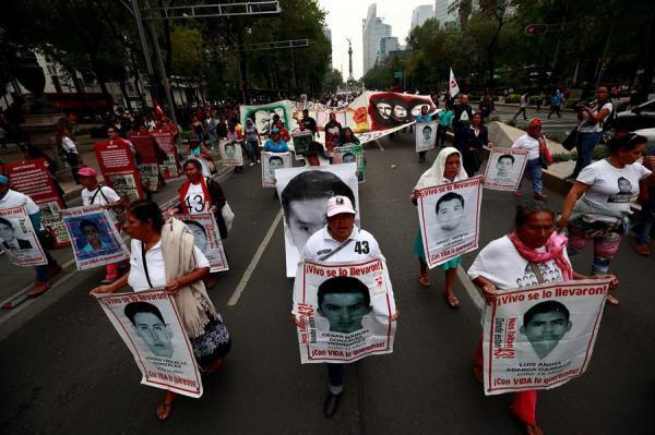 Protesta por desaparecidos en Ayotzinapa