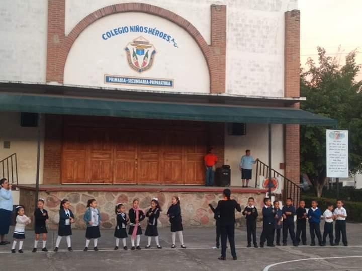 Alumnos del Colegio Niños Héroes