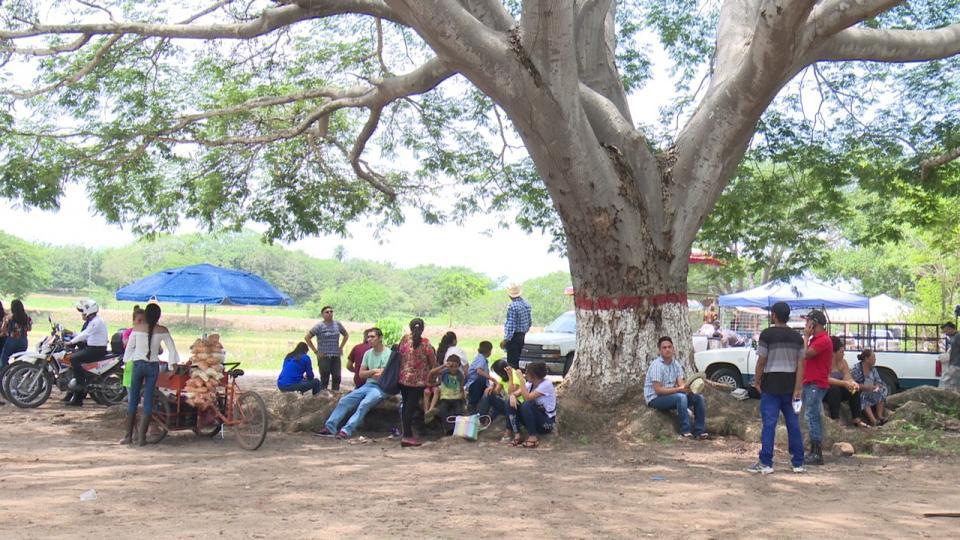 Grupo de personas en la delegación Las Palmas