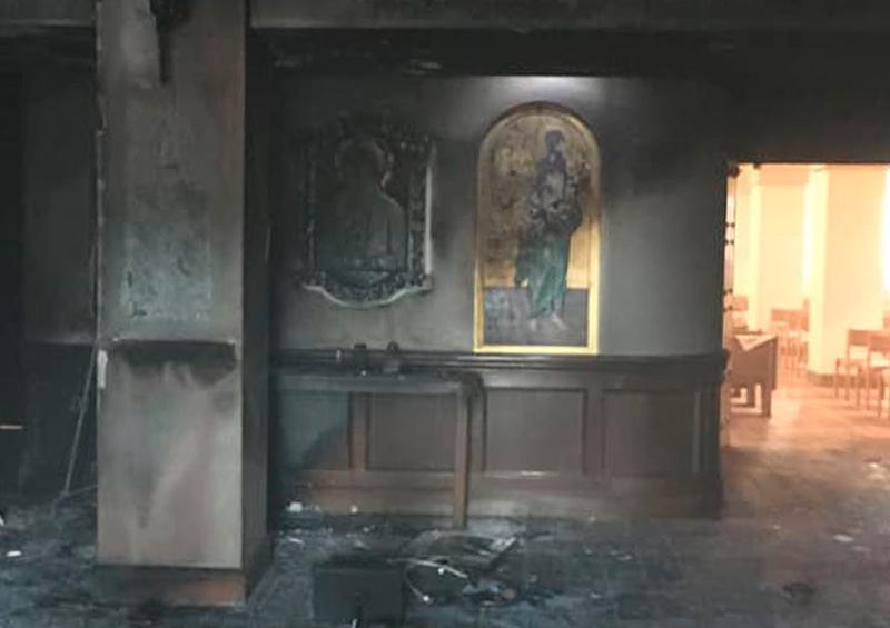 en Florida hombre incendia iglesia