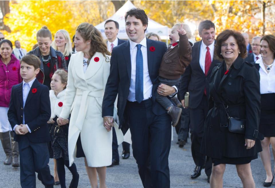 Trudeau junto con su esposa e hijos