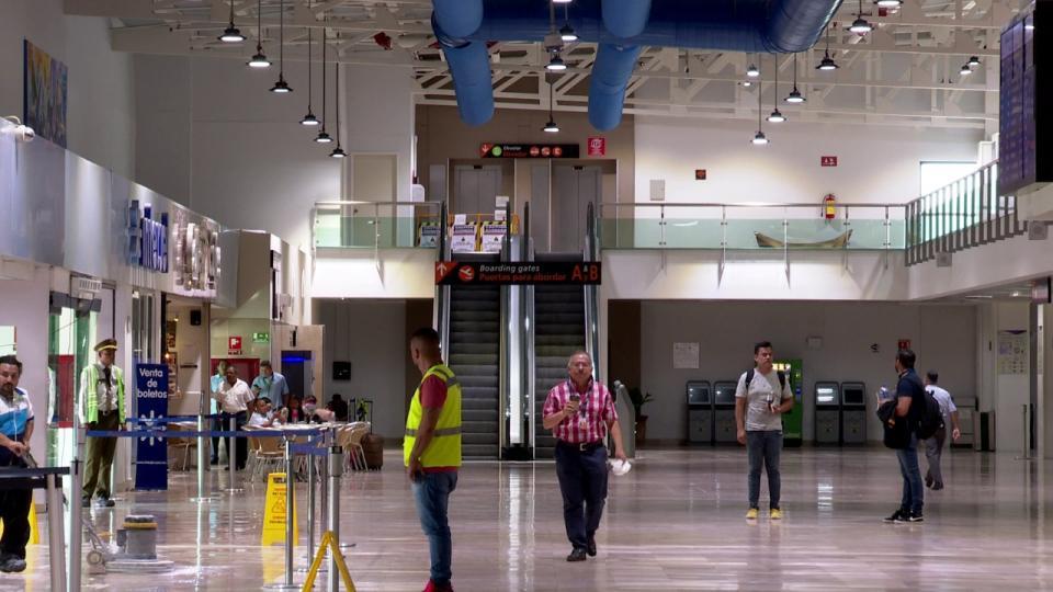 Pasajeros en Aeropuerto Internacional de Puerto Vallarta