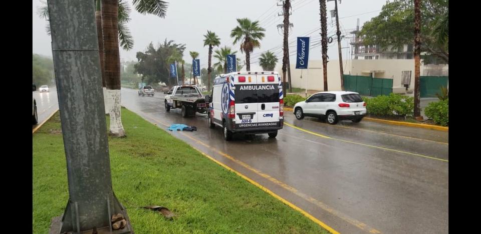 Accidente sobre la carretera federal 200 deja un muerto