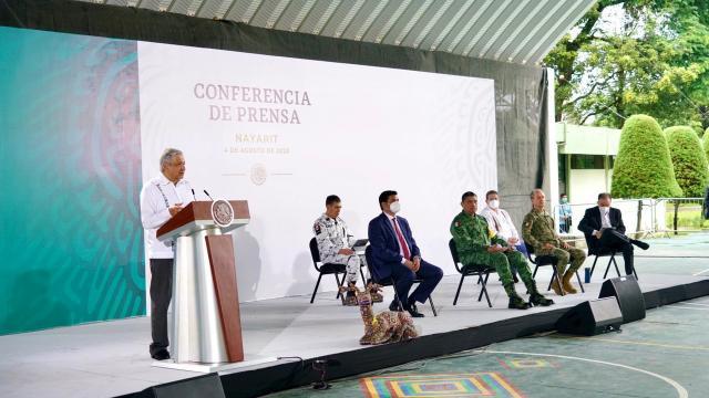 AMLO en Conferencia de prensa en Tepic