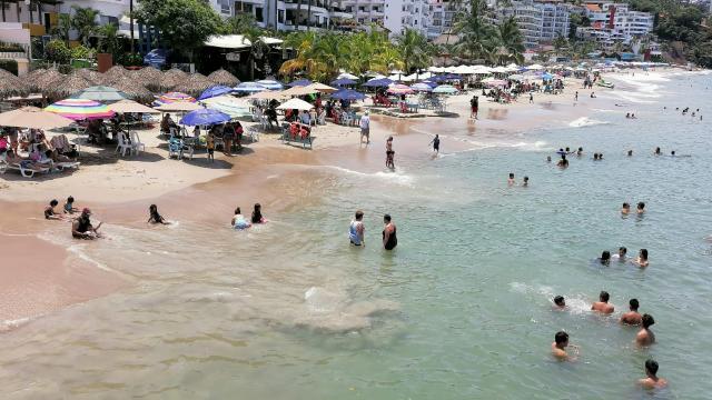 Este fin de semana hubo gran afluencia de turistas y locales en las playas.