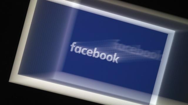 Facebook bloquea a aliados del Bolsonaro tras orden judicial