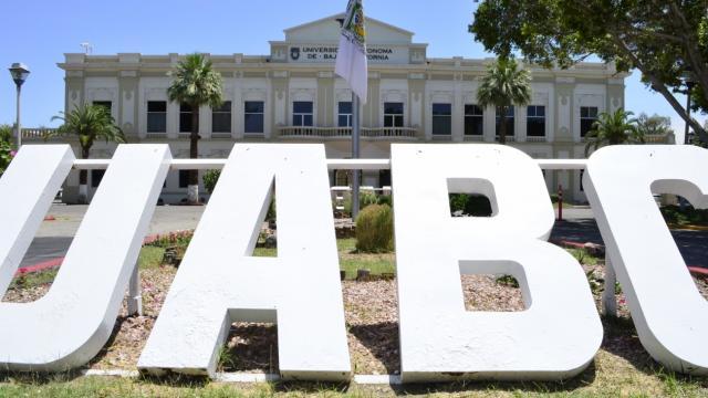 Fracasa examen de admisión en línea para UABC; lo repetirán
