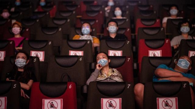 Mexicanos reducirán actividades ante pandemia