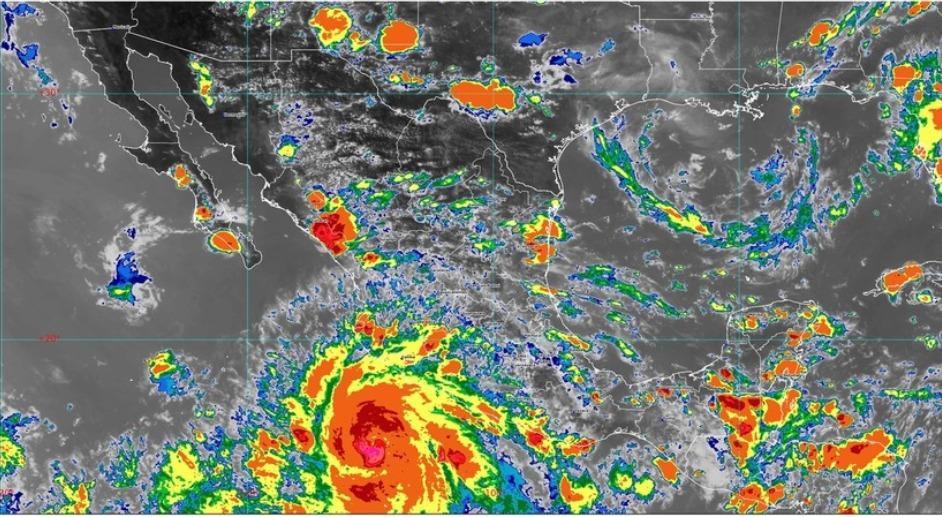Pasaría el huracán Genevieve frente a Vallarta mañana