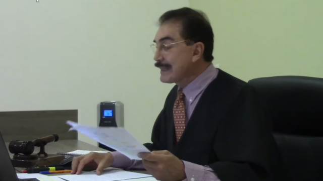 Juez Jorge Solís en audiencia