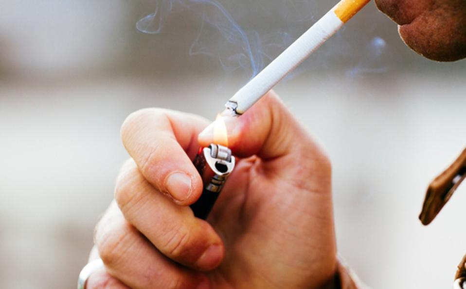 Aduanas en Veracruz destrulle 31.1 millones de cigarros ilegales.