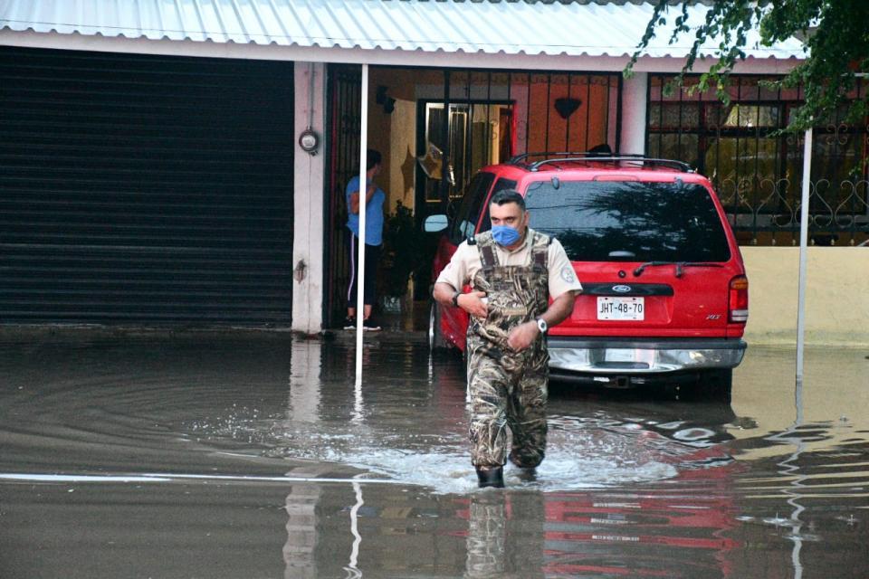 Acatlán de Juárez sufre inundación ante tormenta