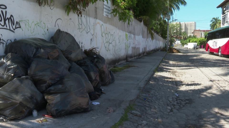 Desperdicio de construcción invade colonia Díaz Ordaz