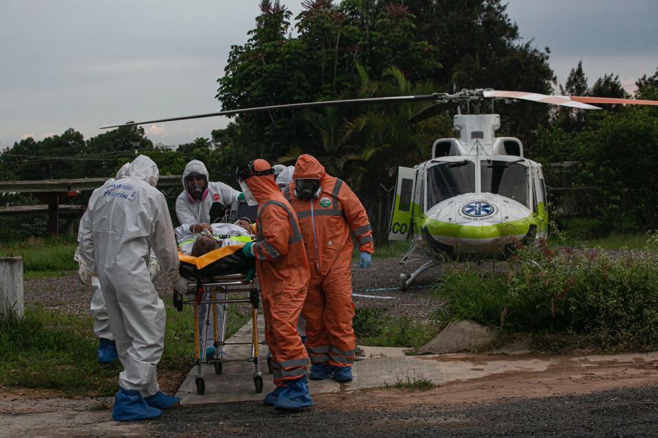 Recibe Hospital Ángel Leaño primer paciente en traslado aéreo