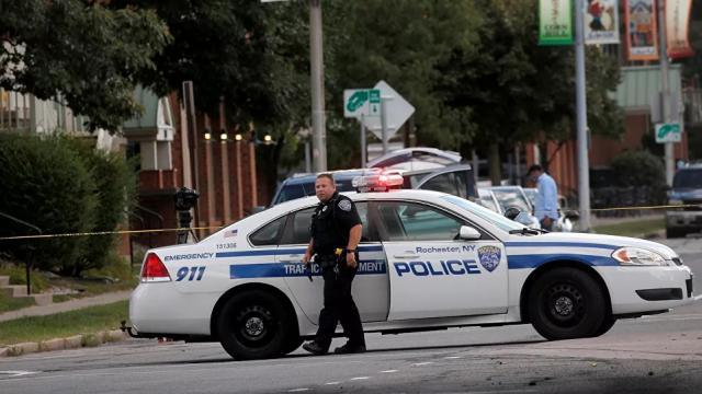 Al menos 2 muertos y 14 heridos por un tiroteo en Rochester, EEUU