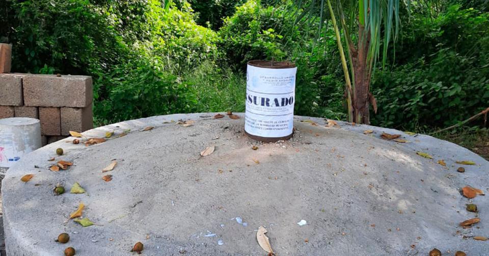 Monumento en parque lineal
