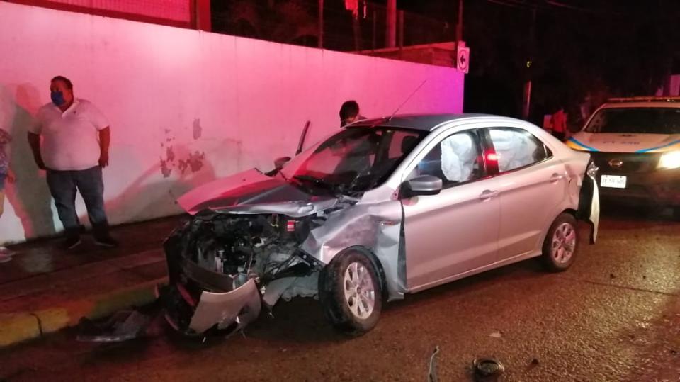 Auto con impacto de choque