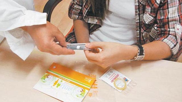 IMSS entrega anticonceptivos ante confinamiento
