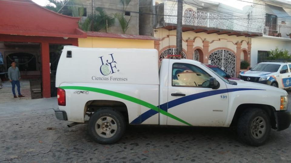 Camioneta de la Semefo