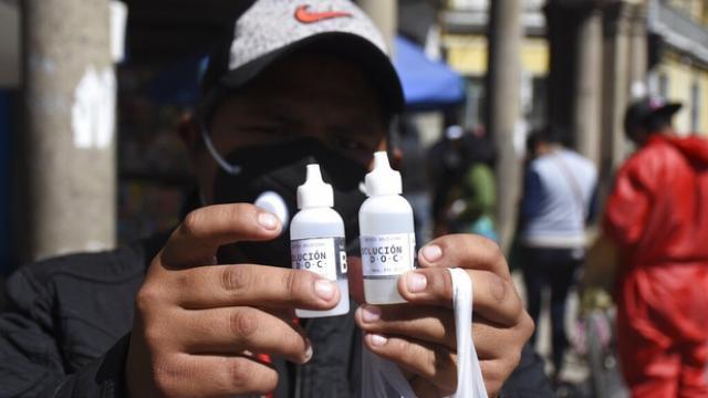 Autorizan dióxido de cloro para enfermos de Covid-19