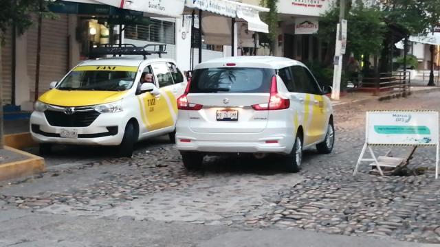 Socavón en Zona Romántica de Puerto Vallarta