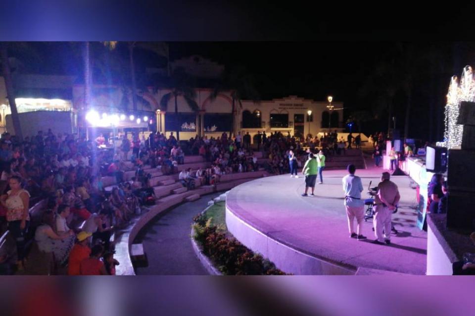 Evento Amigo sin Pelo en los arcos del Malecón