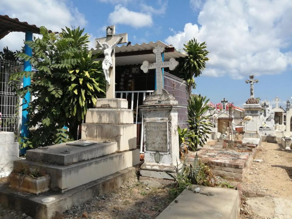 Panteón en Bahía de Banderas