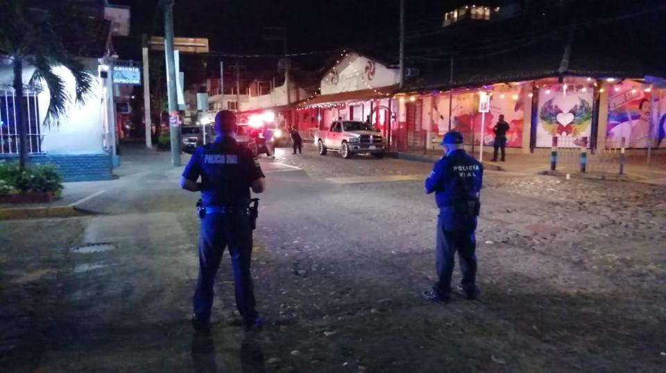 Policías en Zona Romántica