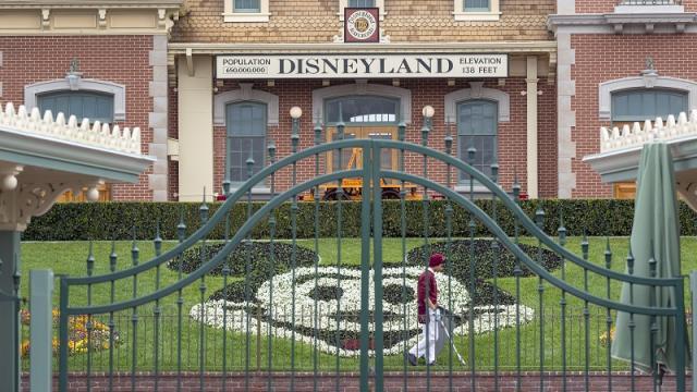 Parques de atracciones contarán con estrictas normas para reapertura en California
