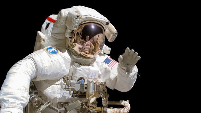 Astronauta vota desde el espacio