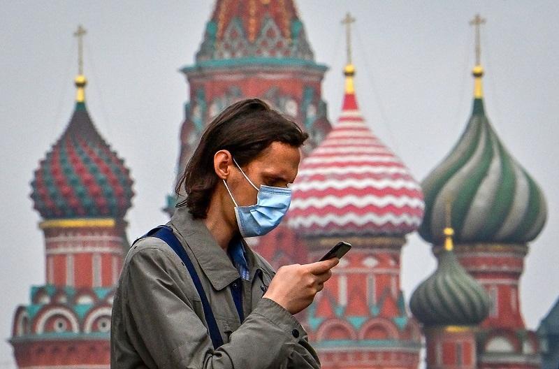 Rusia registra nueva vacuna contra covid-19