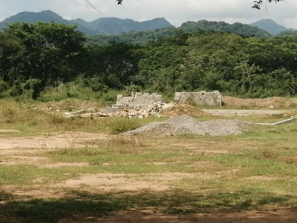 Construcción de panteón en San Juan de Abajo