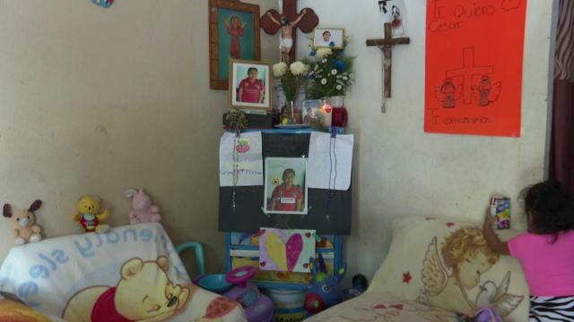 Altar de niño electrocutado en plaza de Las Juntas