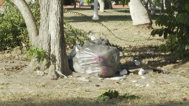 Basurero clandestino en plaza San Esteban