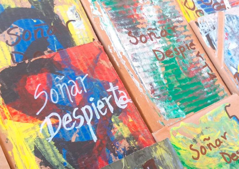 """Internas del Reclusorio presentaron su libro """"Soñar Despierta"""""""