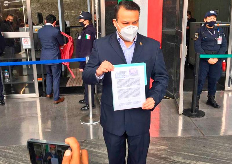 """PAN denuncia a López-Gatell por """"mal manejo de la pandemia"""""""
