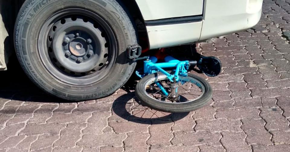 Camioneta atropella a ciclista