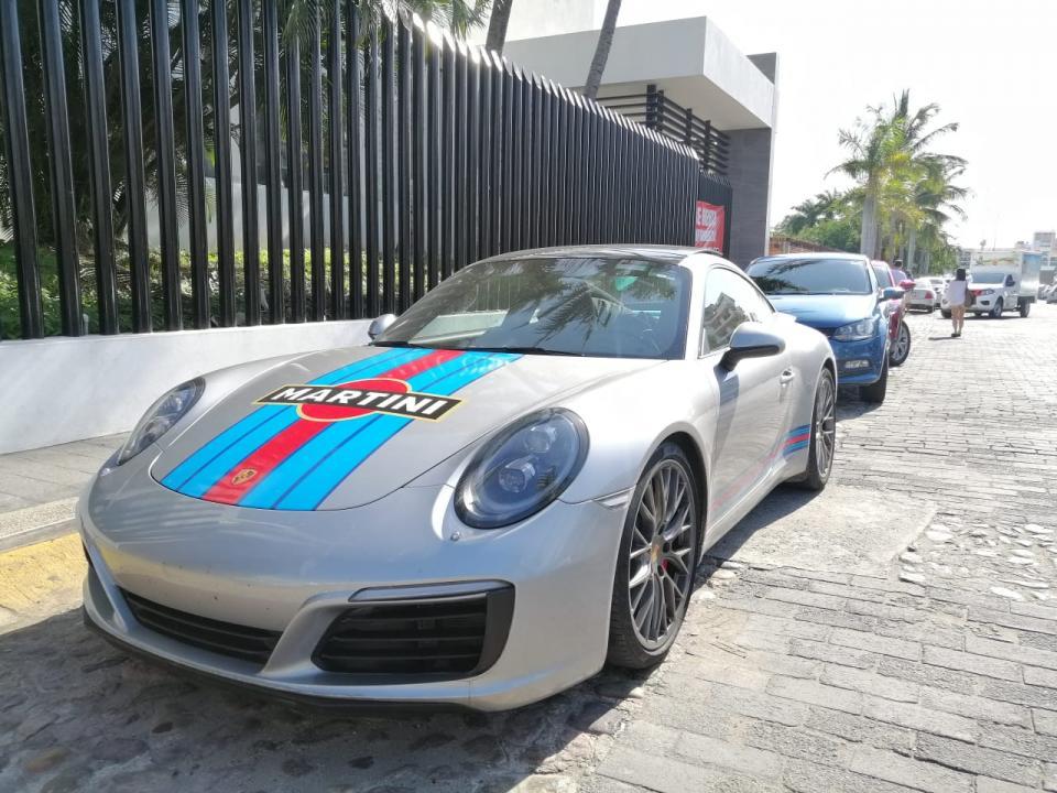 Porsche en Marina